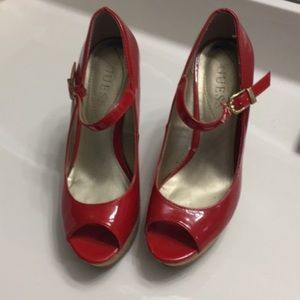 Candy apple red guess wedge